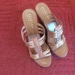 Italian Shoemaker Wedge Size 9